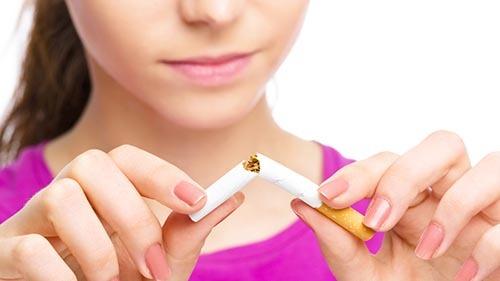 با ترک سیگار و قلیان دندان های سفید داشته باشیم