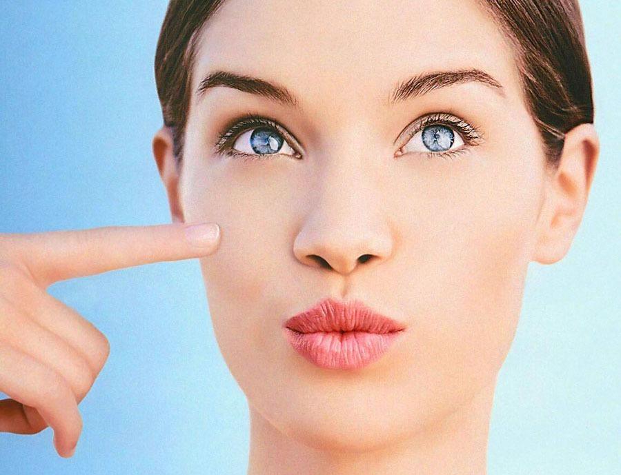 منافذ باز پوست صورت و درمان آن ها