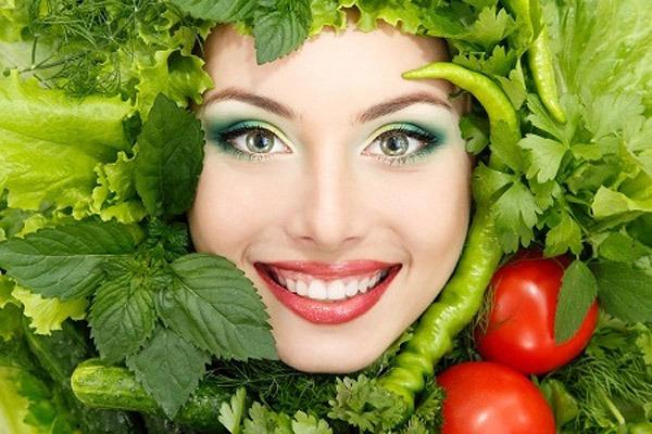 بستن منافذ باز پوست صورت با درمان های گیاهی