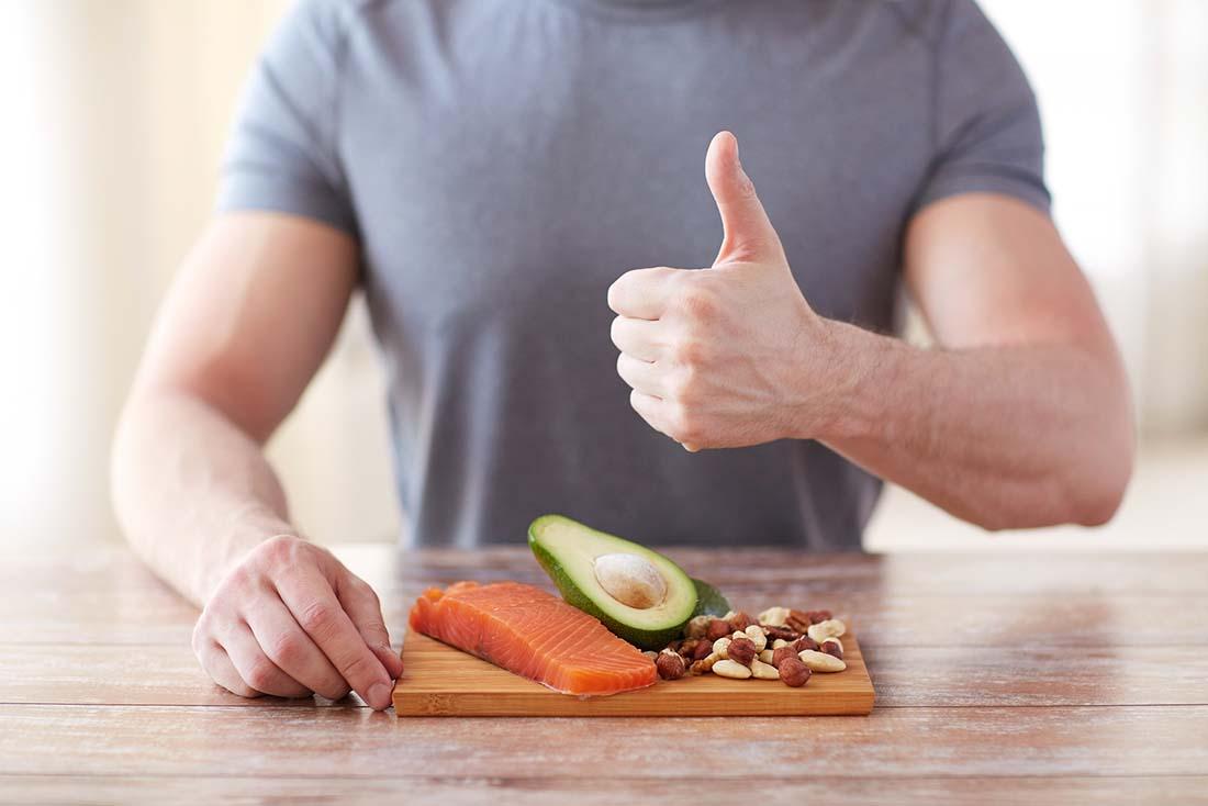 راه های چاق شدن ؛ فراوان خوردن مرغ ، ماهی ، میگو و... به واسطه وجود پروتیین