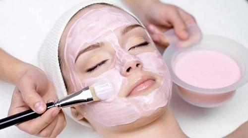 یکی از انواع ماسک چغندر ترکیب آن با ماست می باشد