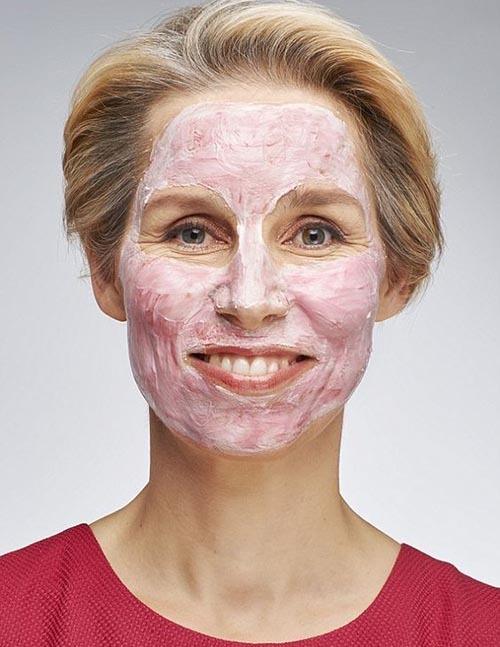 انواع ماسک چغندر برای مقابله با جوش و آکنه