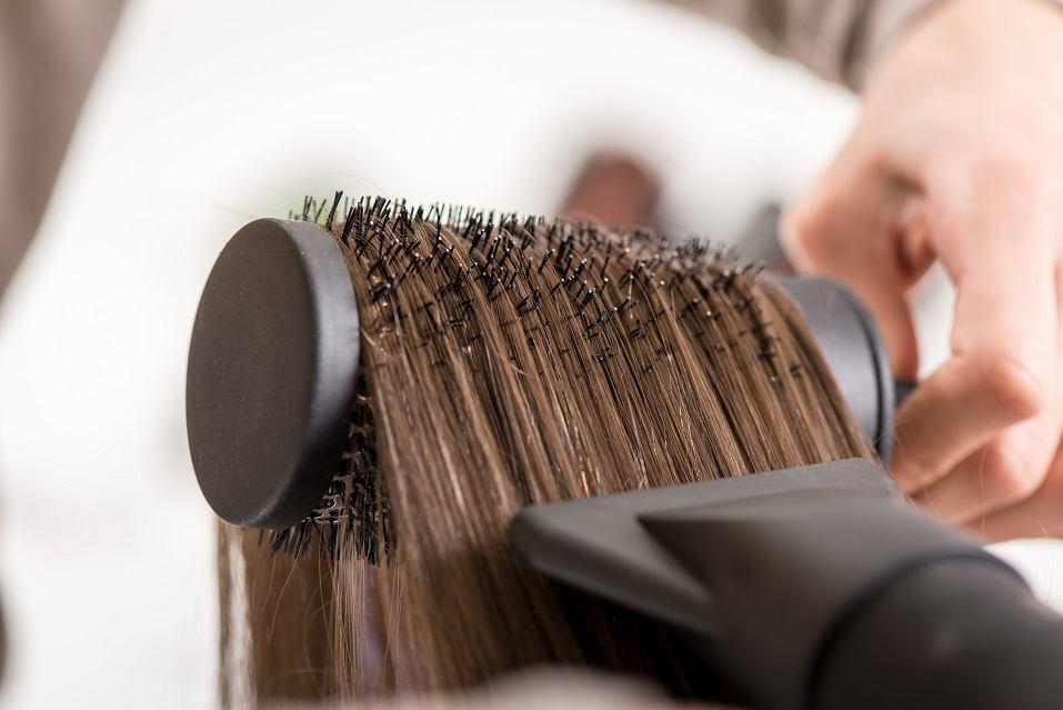 سشوار نکردن برای مراقبت از موهای رنگ شده