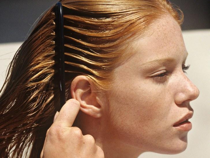 ماسک توت فرنگی برای موهای چرب
