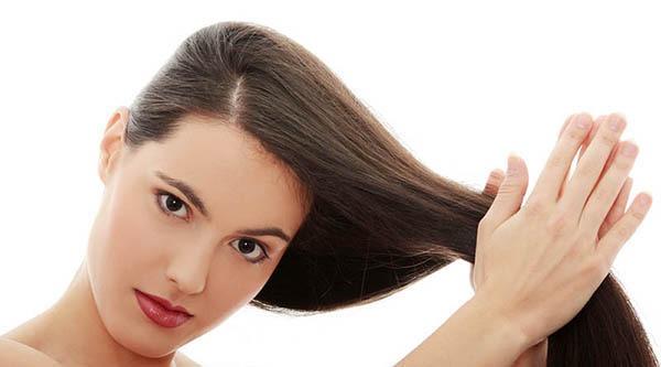 درمان موی چرب و ماساژ مو